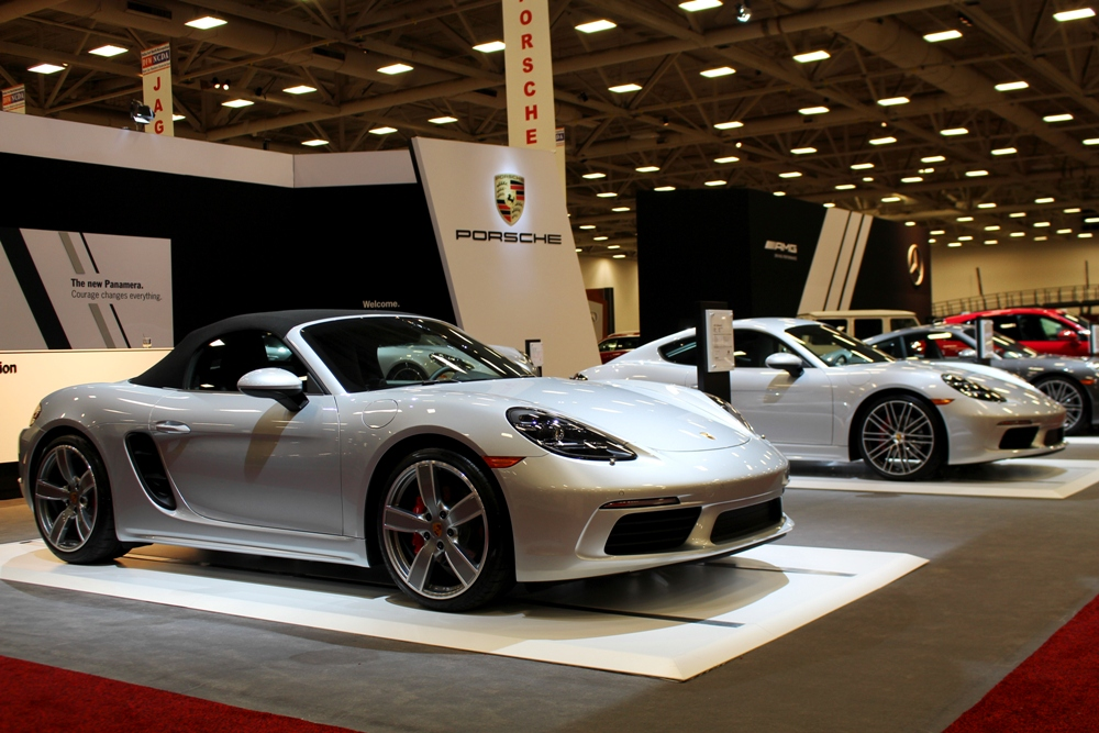 DFW Auto Show New Model Year Vehicles And HighEnd Dream - Dallas car show