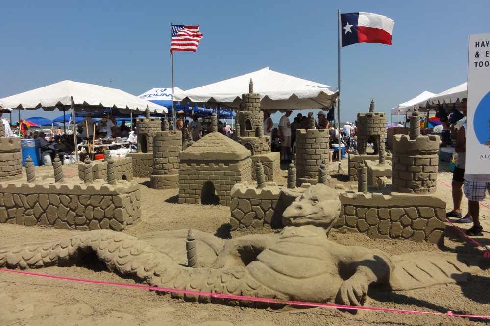 Architects Vie for Win at AIA Sandcastle Competition