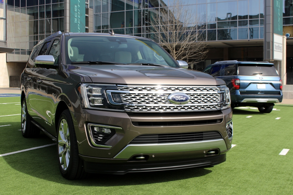 Ford Reveals 2018 Expedition at Dallas Cowboys Facility