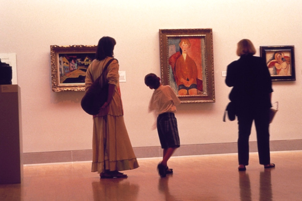 Art Museums and Fine Art Exhibitions