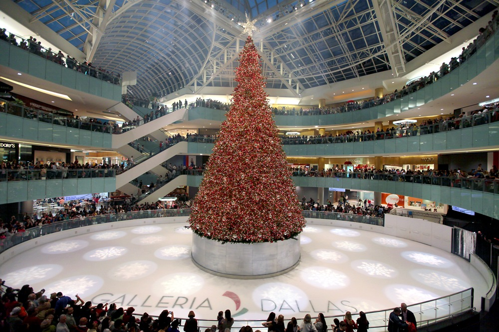 Galleria Dallas Hosts Olympic Medalists and America's Tallest Indoor Christmas Tree