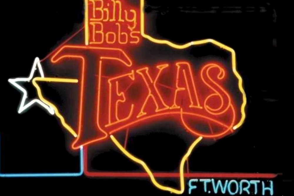 Billy Bob S Texas Features Bull Riding And Live Musical