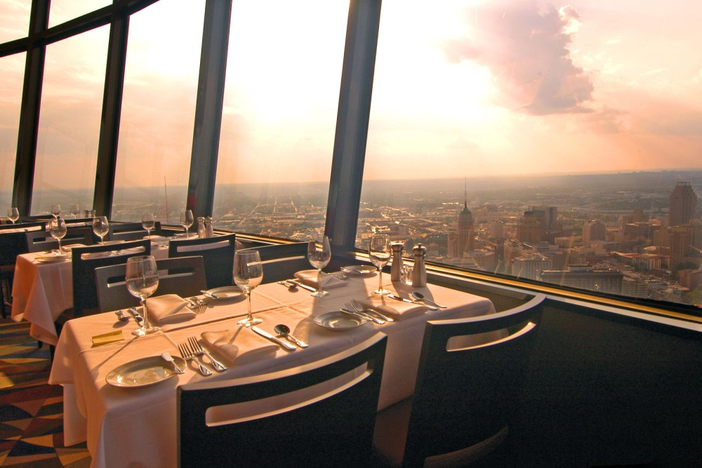 Chart House Restaurant At Tower Of The Americas