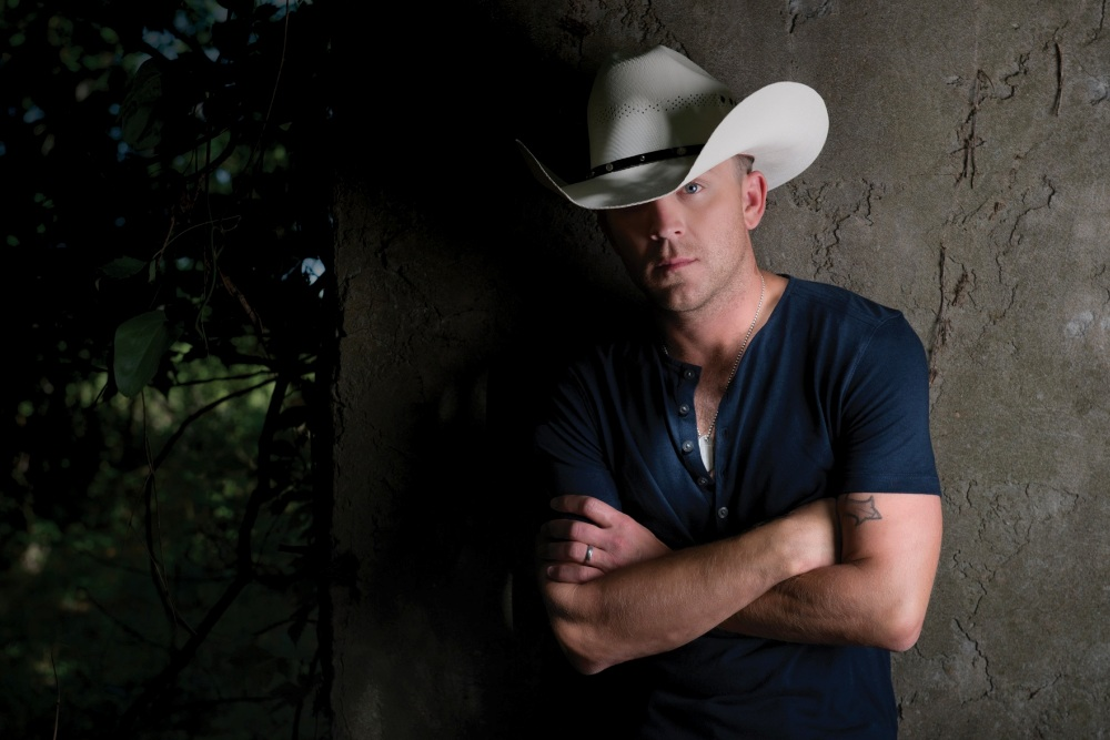 Country Music Star Justin Moore Set To Rock Fishing League